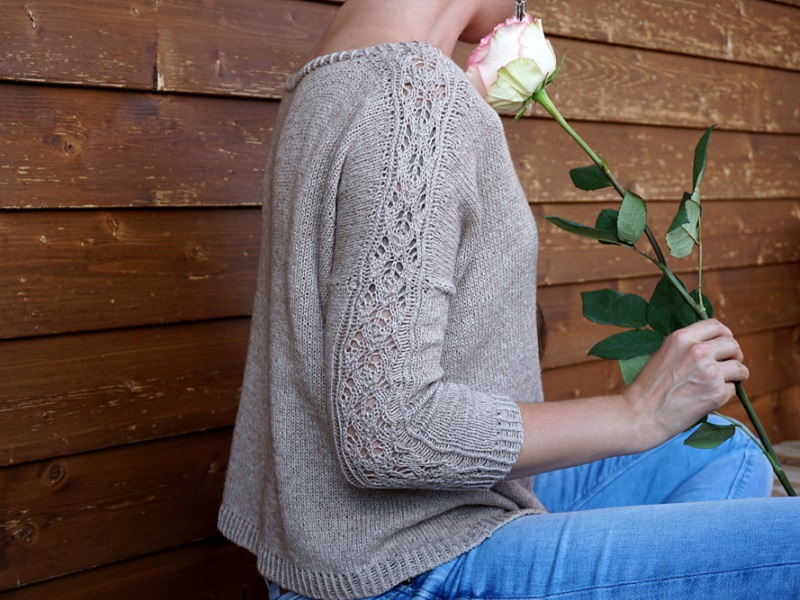 Rambling-rose-sweater