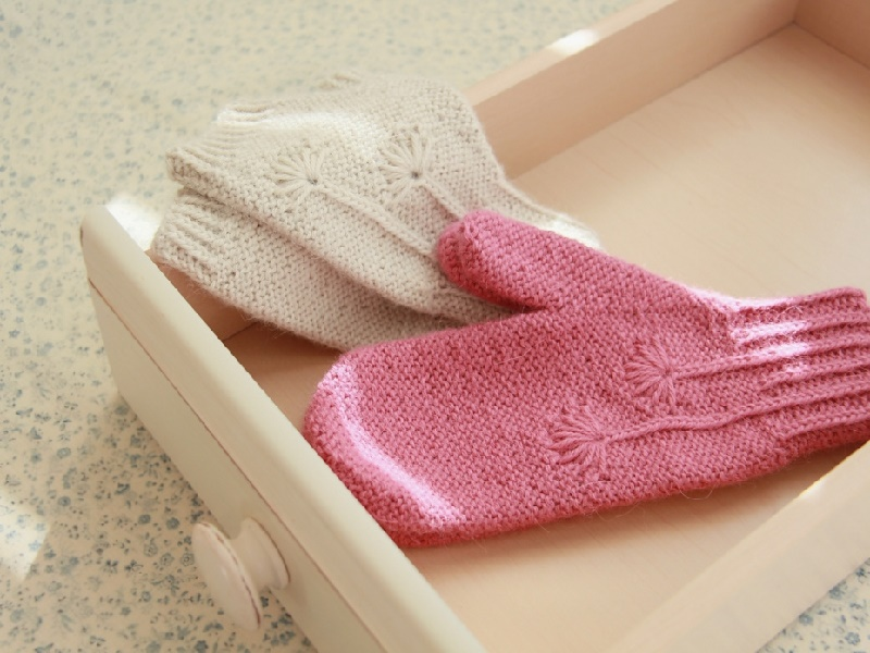 Sherry Reversible Mitts